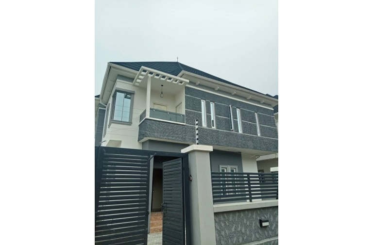 Newly specious 4 Bedroom Duplex for sale in Chevvy View Estate
